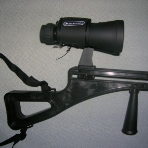 Binoculars mounted on Stedi-Stock 2