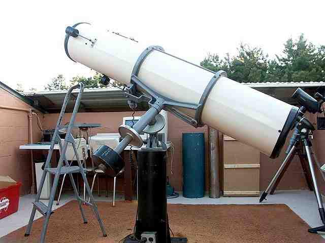 A 12.5-inch Cave Astrola Newtonian reflector